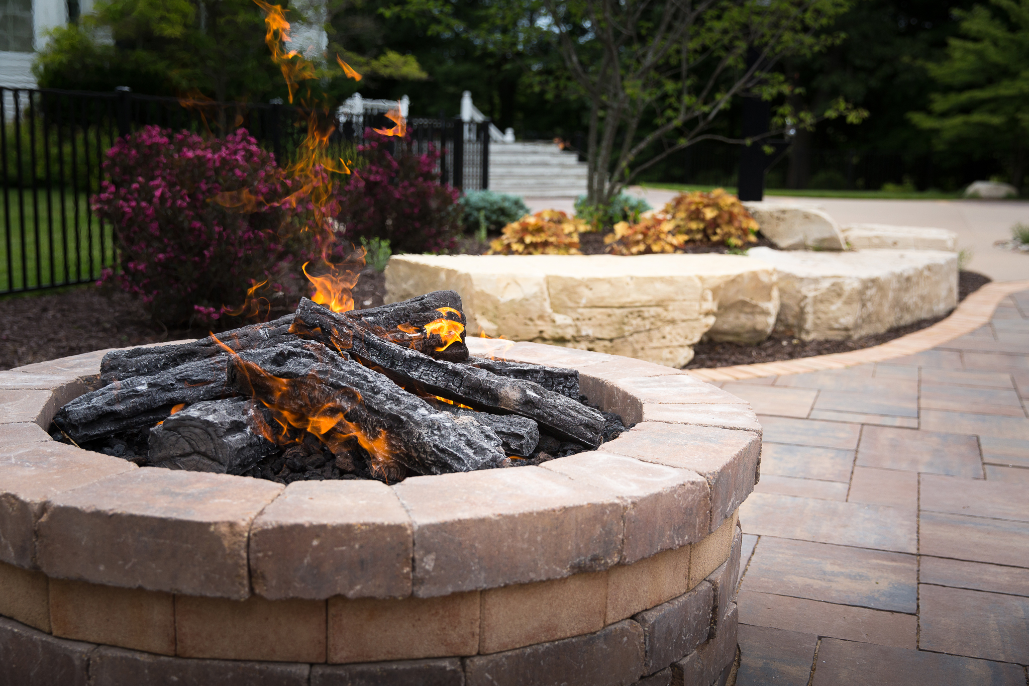 fire pits water features essex outdoor design. Black Bedroom Furniture Sets. Home Design Ideas